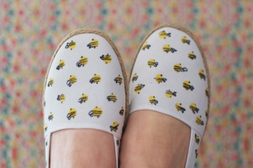 bumble bee espadrilles (via clonesnclowns)