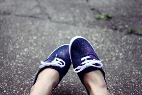 blue galaxy shoes (via invisibly)