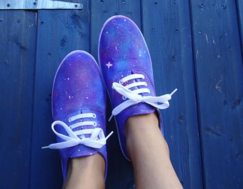 purple galaxy shoes (via nutellaismafella)