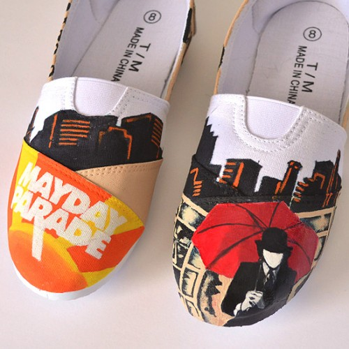 parade custom sneakers (via dreamalittlebigger)