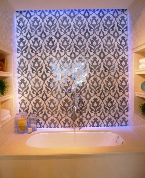 21 cool bathroom backsplash ideas shelterness for Cool ideas for backsplash