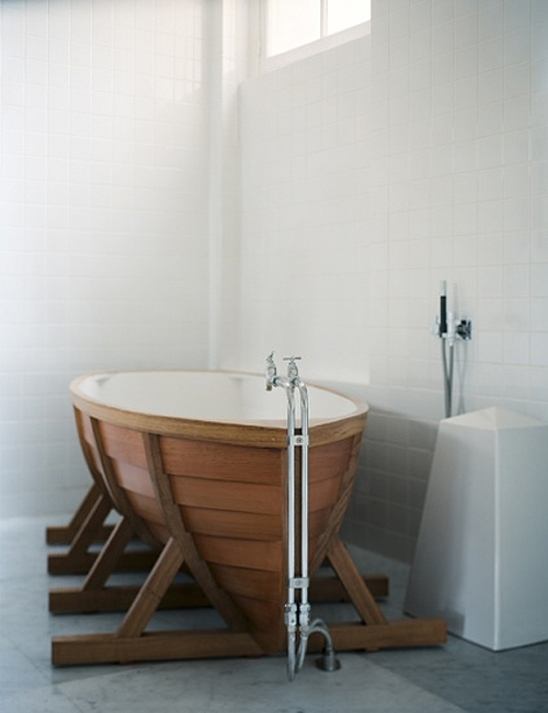 Bathtub Shaped Like A Boat