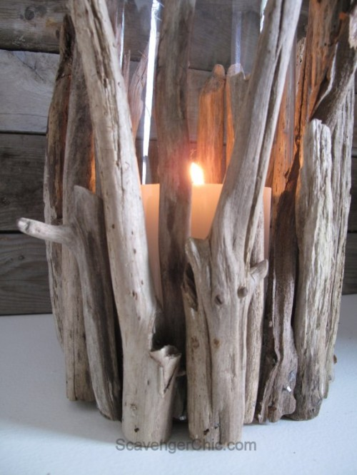 driftwood hurricane lamp (via scavengerchic)