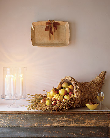 10 Beautiful DIY Cornucopias For Thanksgiving Décor