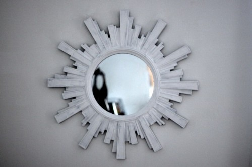 9 Beautiful DIY Shabby Chic Mirrors To Bring The Charm