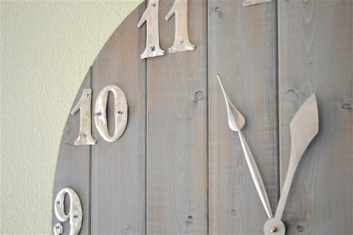 Beautiful Diy Wall Clock Of Wood Scraps