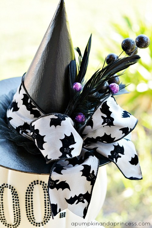 black and white glam pumpkin decor (via apumpkinandaprincess)