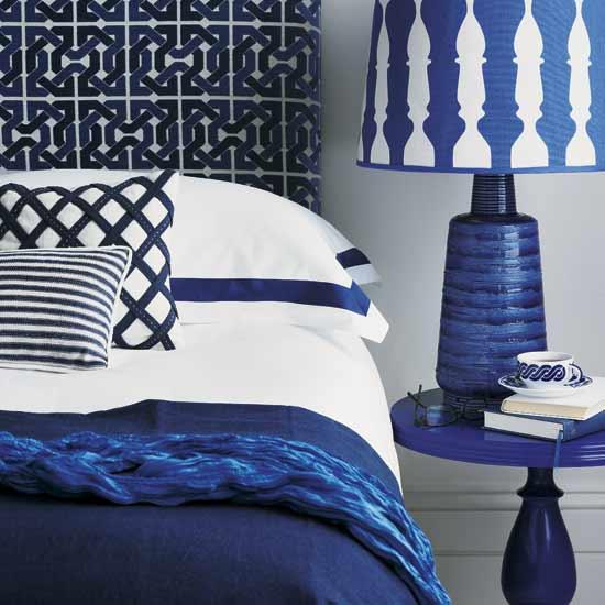 Blue room design ideas shelterness - Blue and white bedroom decor ...
