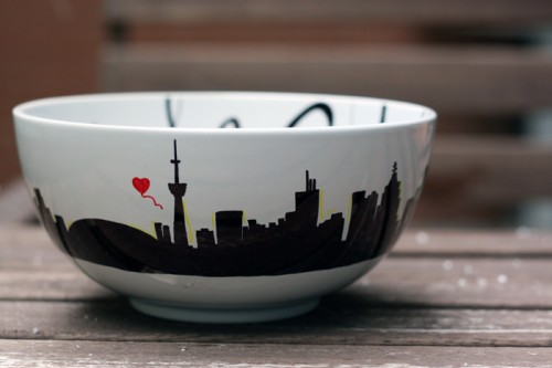 how to paint a soup bowl (via shelterness)