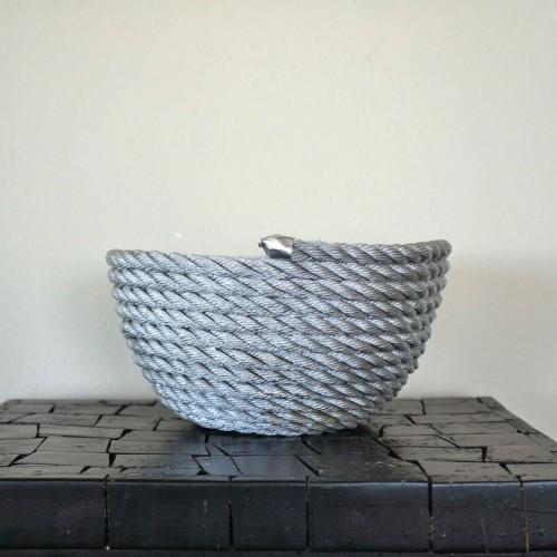 rope fruit bowl (via cookinglikelou)