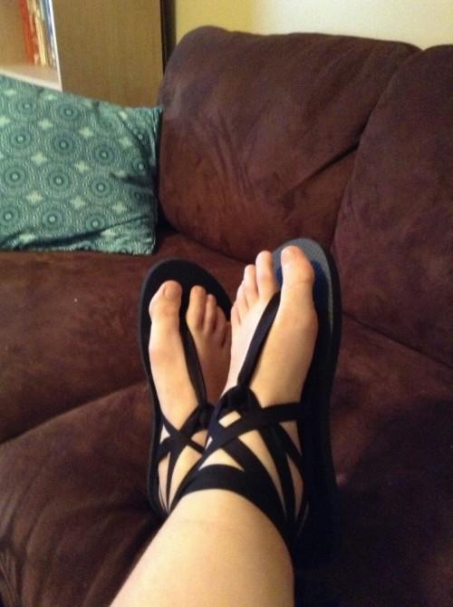 cheap flip flops (via no-other-refuge)