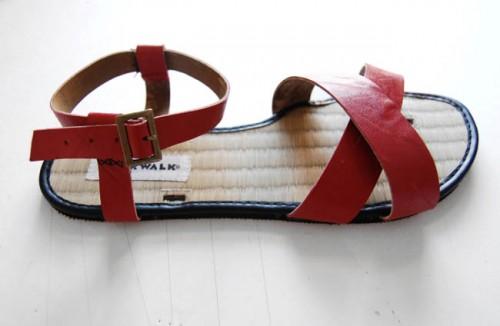arrow sandals (via etsy)