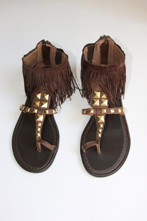 f9db6af537cbc 21 Bright DIY Summer Sandals And Flip Flops - Shelterness