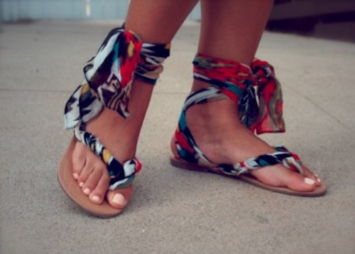 colorful gladiator sandals (via shelterness)