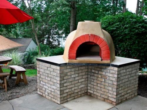concrete outdoor pizza oven (via hgtv)