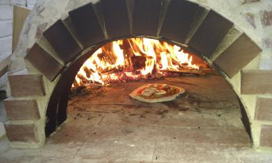 9 budget friendly diy outdoor pizza ovens shelterness