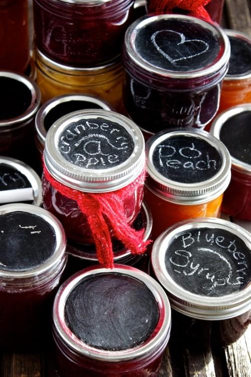 chalkboard jar tops (via kitchensimplicity)