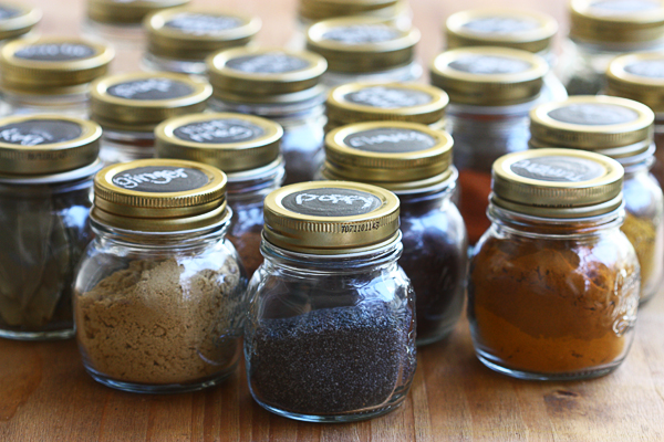 organizing spices with chalkboard circles
