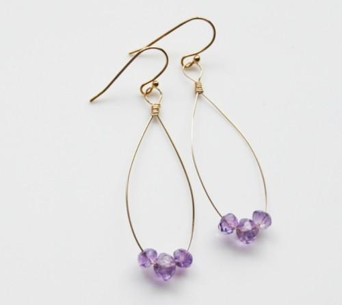 summer amethyst earrings (via shelterness)