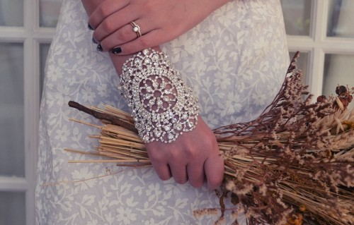 boho rhinestone bracelet (via weddingomania)