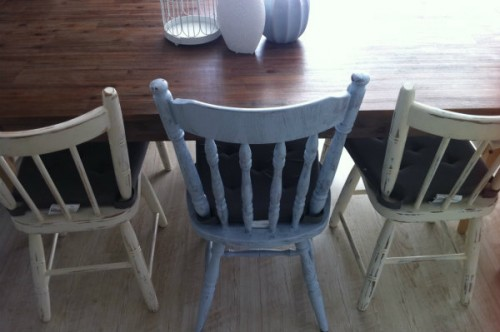 shabby chic dining chairs (via sheknows)
