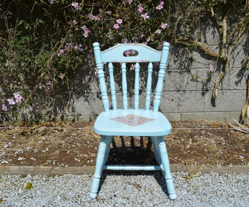 upcycled shabby chairs