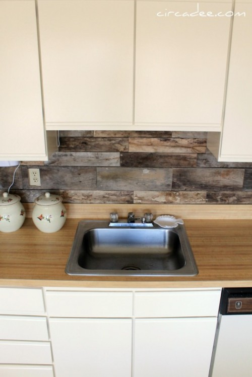 Cheap diy rustic kitchen backsplash shelterness for Cheap ideas for kitchen backsplash