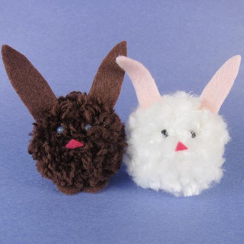 pom pom bunnies (via justcraftyenough)