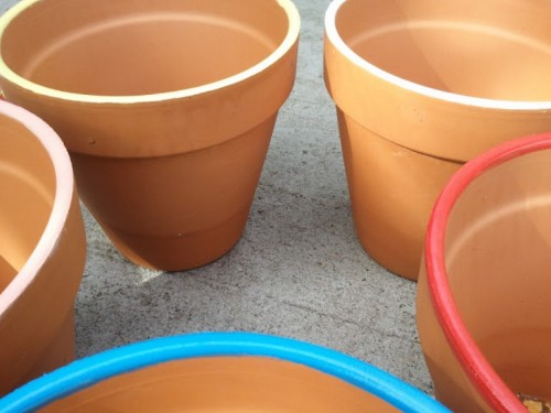 bright edges planters (via shelterness)