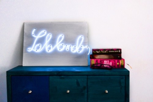 6 Cheerful DIY Neon Signs For Your Interiors