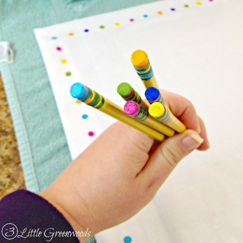 Cheerful DIY No Sew Table Runner For Easter