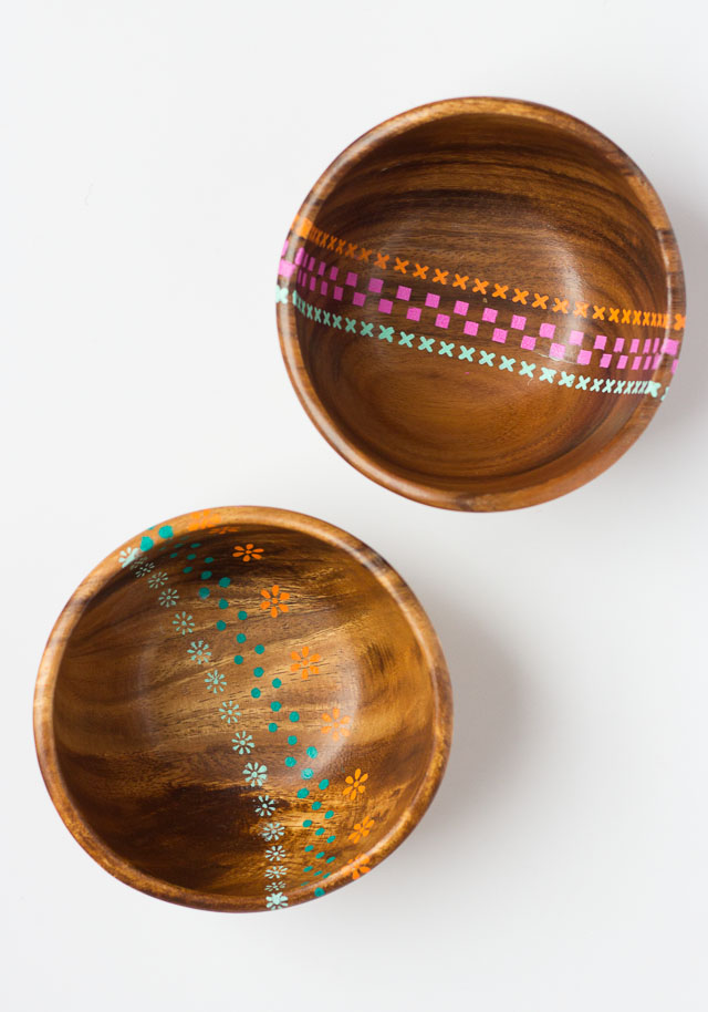 Cheerful Spring-Inspired DIY Stenciled Wood Bowls
