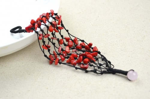 Оригинальные фенечки из бисера: красивые плетения, схемы.