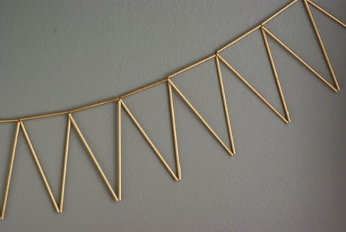 Chic DIY Golden Straw Bunting