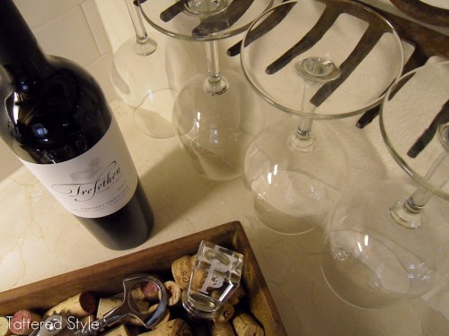 Clever Diy Wine Glass Holder For Your Vintage Kitchen