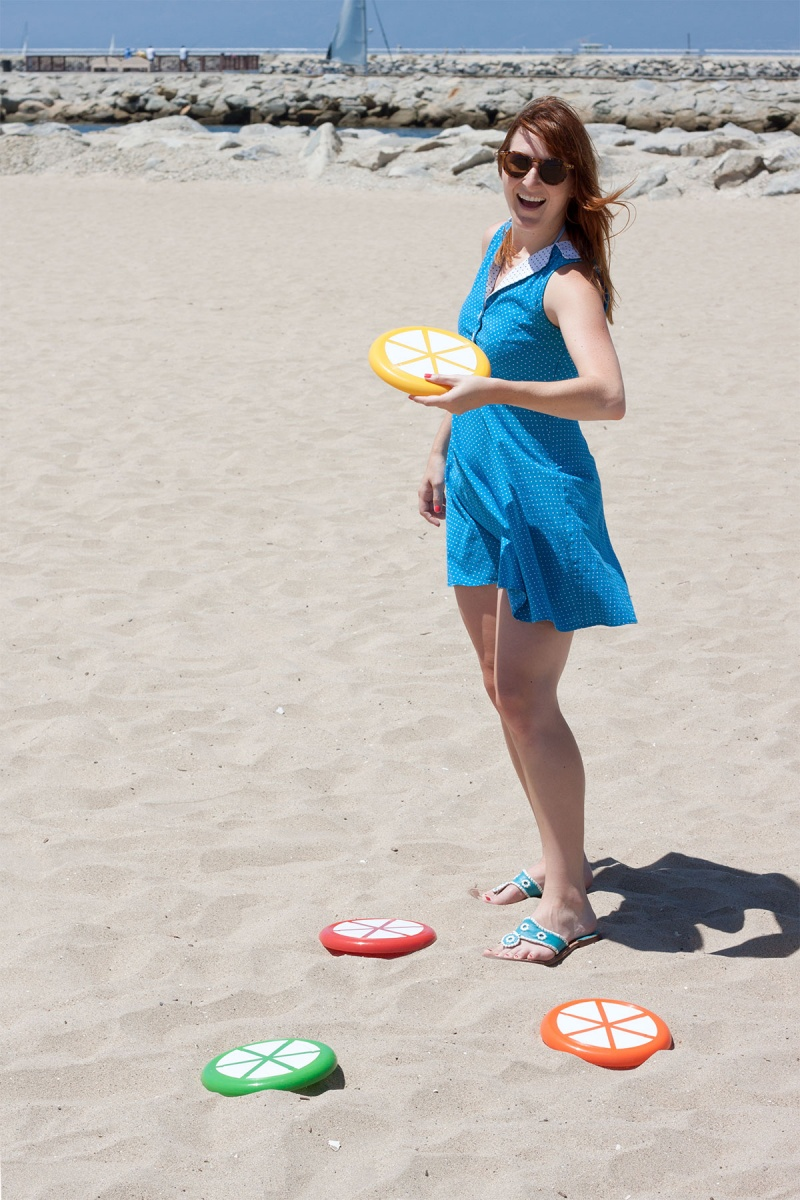 Picture Of colorful and ceerful diy citrus slice frisbees  2