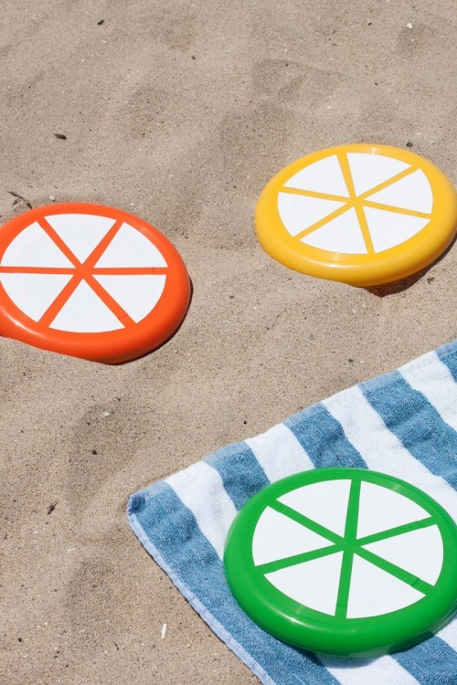 Colorful And Cheerful DIY Citrus Slice Frisbees