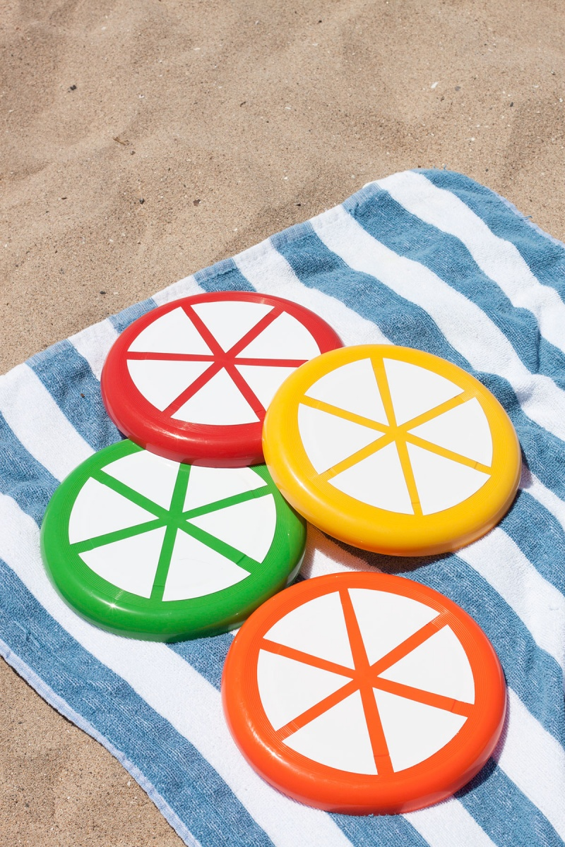 Picture Of colorful and ceerful diy citrus slice frisbees  5