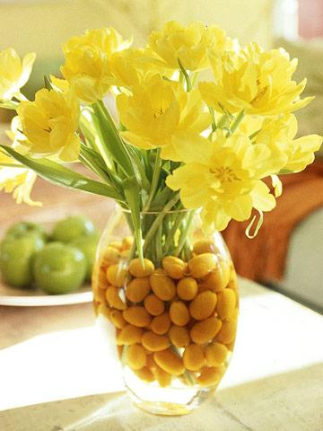 DIY sunny cheer centerpiece