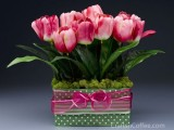 tulips and moss centerpiece (via craftsncoffee)