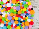 colorful-and-easy-diy-pompom-rug-7