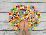 colorful-and-easy-diy-pompom-rug-8