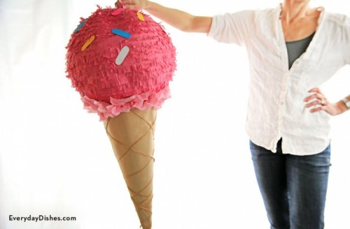 18 Colorful And Fun DIY Piñatas For Any Party