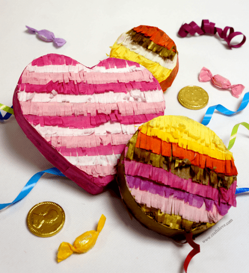 pinata party favors (via craftslove)