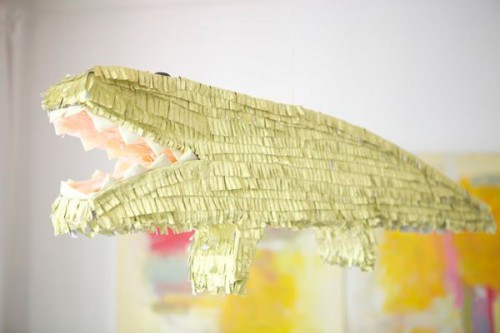 golden alligator pinata (via ohhappyday)