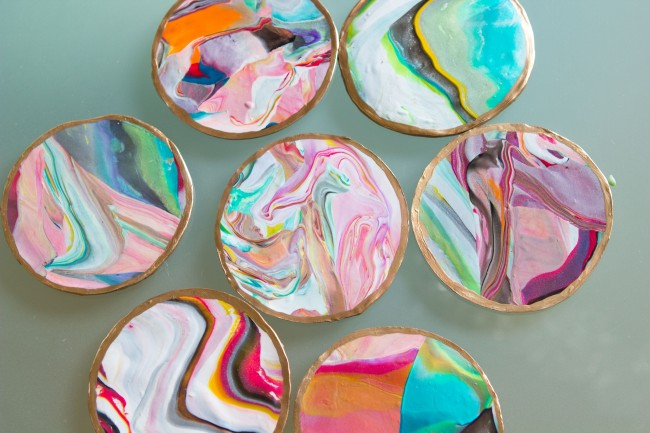 Picture Of colorful and golssy diy marble coasters  2