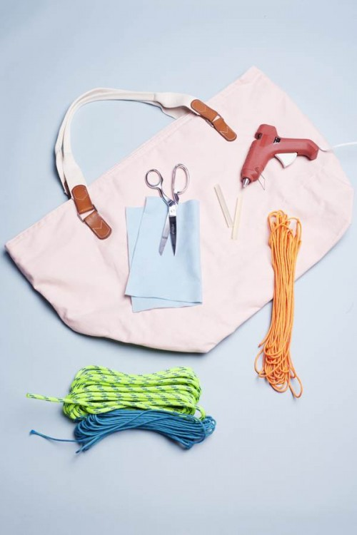 heart beach tote (via teenvogue)