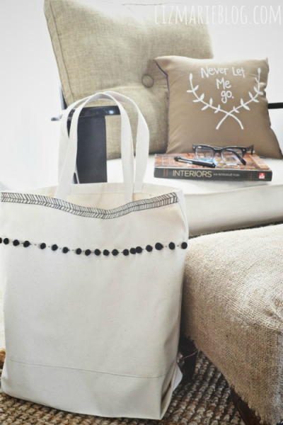 canvas beach tote (via lizmarieblog)