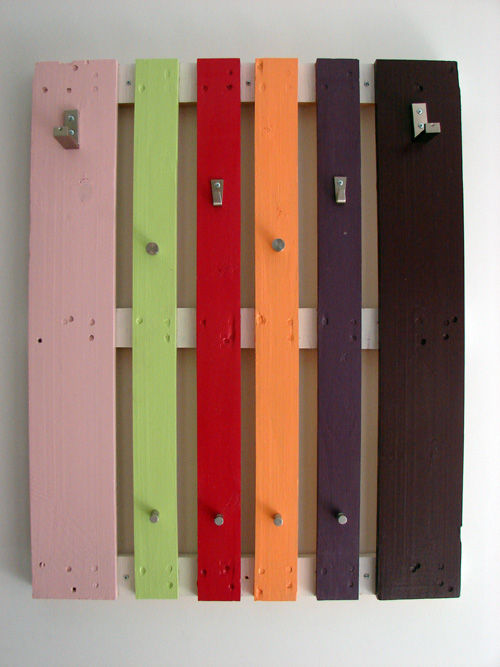 Colorful Diy Coat Rack Of A Pallet