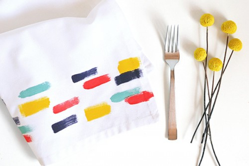 brush stroke napkins (via makeandtell)
